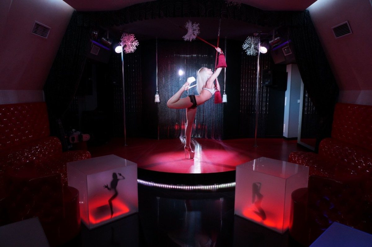 Inside The Strip Clubs Of Instagram